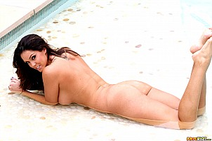 Alison Tyler gallery image 12 of 15