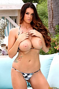 Alison Tyler gallery image 4 of 15