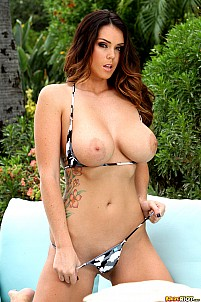 Alison Tyler gallery image 5 of 15