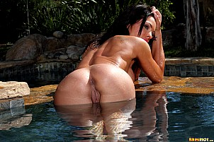 Kirsten Price gallery image 14 of 15