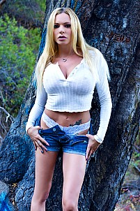 Briana Banks gallery image 8 of 15