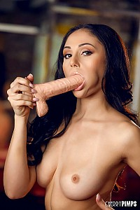 Ariana Marie gallery image 7 of 14