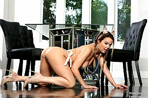 Dillion Harper gallery image 5 of 20