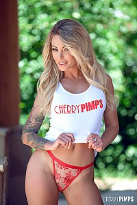 Isabelle Deltore gallery image 3 of 14