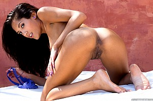 Chloe Amour gallery image 11 of 17
