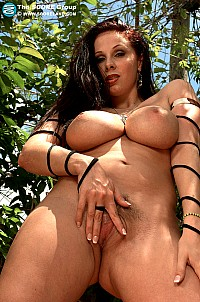 Gianna Michaels gallery image 16 of 22
