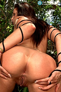 Gianna Michaels gallery image 18 of 22