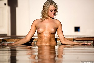Mia Malkova gallery image 4 of 17