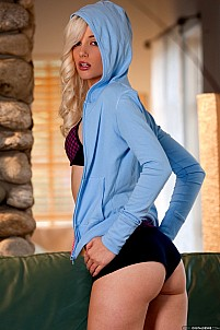 Charlotte Stokely gallery image 11 of 17