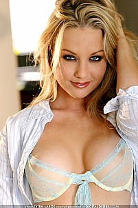 Kayden Kross gallery image 3 of 17