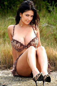 Denise Milani gallery image 10 of 12