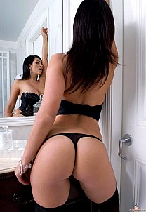 Denise Milani gallery image 14 of 15