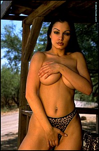 Aria Giovanni gallery image 9 of 15