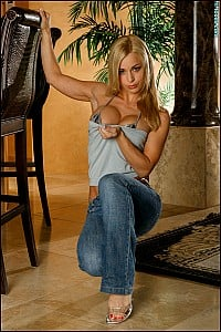 Jenny Poussin gallery image 4 of 15