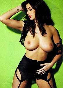 Holly Peers gallery image 15 of 22