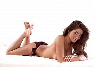 Lucy Pinder gallery image 10 of 22