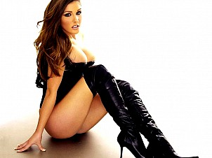 Lucy Pinder gallery image 21 of 22