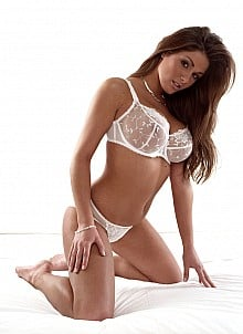 Lucy Pinder gallery image 7 of 23