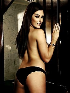 Lucy Pinder gallery image 4 of 11