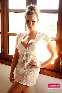Jodie Gasson gallery image 1 of 12