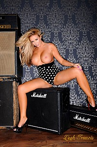 Leah Francis gallery image 6 of 12