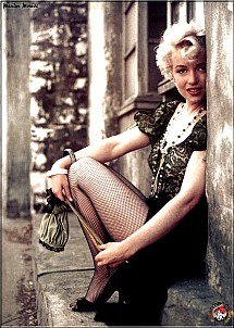 Marylin Monroe gallery image 20 of 45
