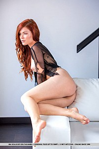 Mia Sollis gallery image 8 of 18