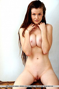Emily Bloom gallery image 11 of 18