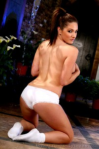 Lucy Pinder gallery image 15 of 16