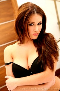Lucy Pinder gallery image 9 of 16