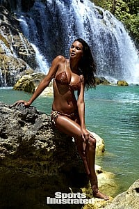Lais Ribeiro gallery image 2 of 33