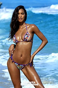 Lais Ribeiro gallery image 18 of 33