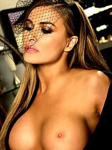 Carmen Electra gallery image 25 of 32