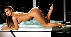 Carmen Electra gallery image 29 of 32
