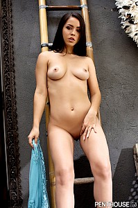 Alina Lopez gallery image 15 of 20