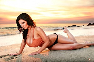 Denise Milani gallery image 10 of 25