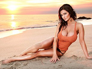 Denise Milani gallery image 14 of 25