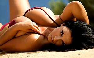 Denise Milani gallery image 20 of 25
