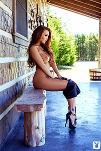 Leanna Decker gallery image 3 of 15