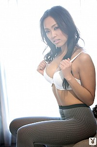 Kitty Lee (Asian) gallery image 9 of 15