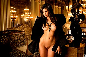 Hope Dworaczyk gallery image 2 of 20