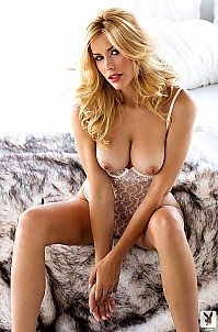 Kennedy Summers gallery image 3 of 15