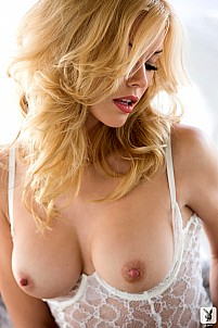 Kennedy Summers gallery image 4 of 15