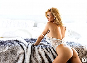 Kennedy Summers gallery image 13 of 15