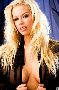Jessa Hinton gallery image 4 of 16