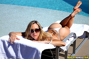 Brandi Love gallery image 2 of 9