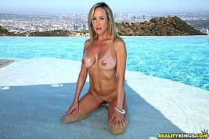Brandi Love gallery image 6 of 9