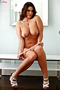 Alison Tyler gallery image 10 of 16