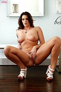 Alison Tyler gallery image 14 of 16