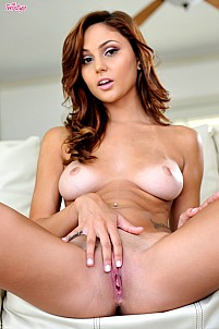 Ariana Marie gallery image 12 of 16